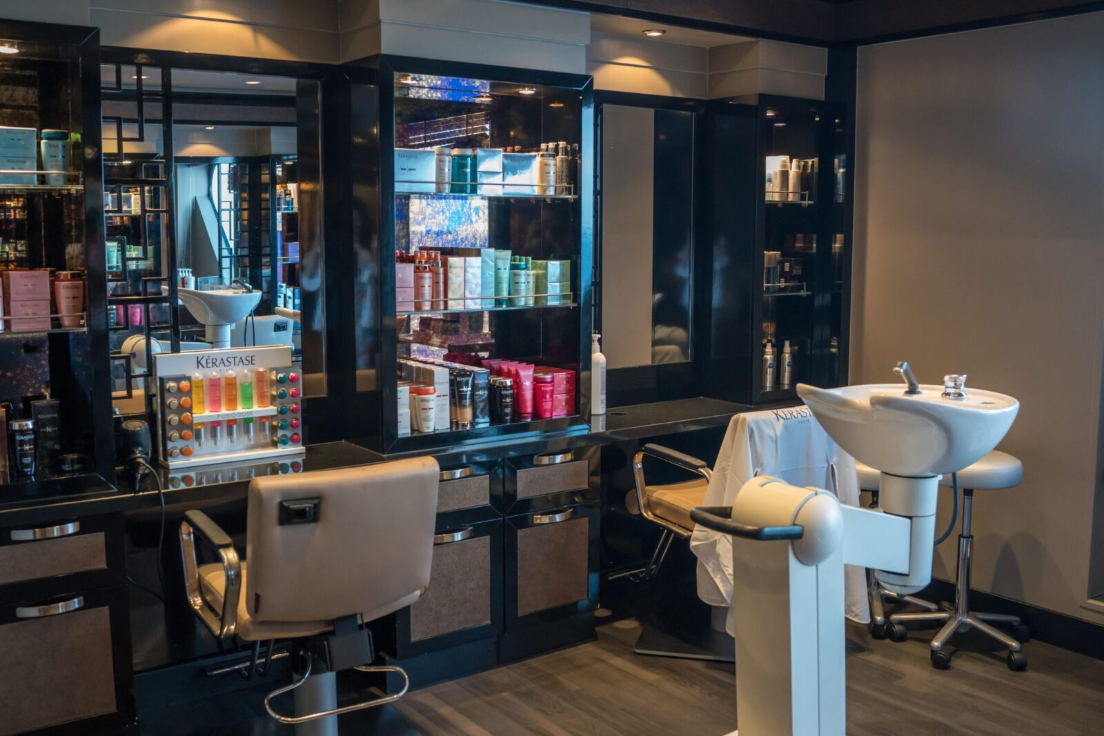 Barber Shop Design 1 Salon Fitouts Expert Impeccabuild